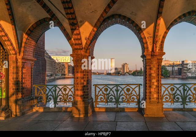 Sunset, arches, Oberbaum bridge, Friedrichshain, Kreuzberg, Berlin - Stock-Bilder