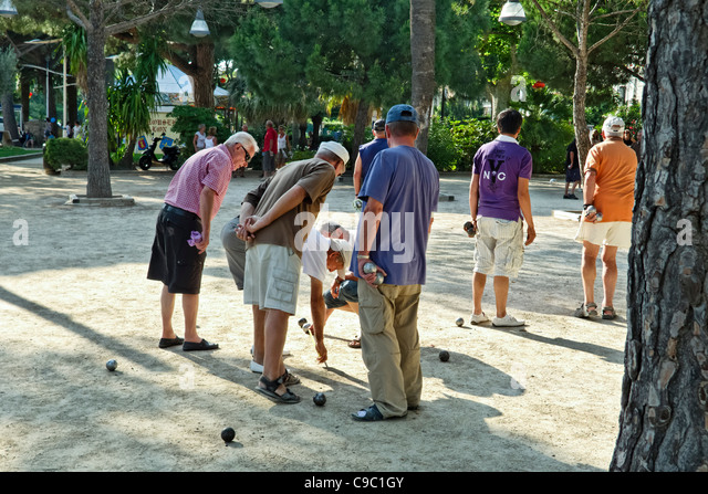 Men playing petanque in Saint Maxime, south france, French Reviera - Stock-Bilder