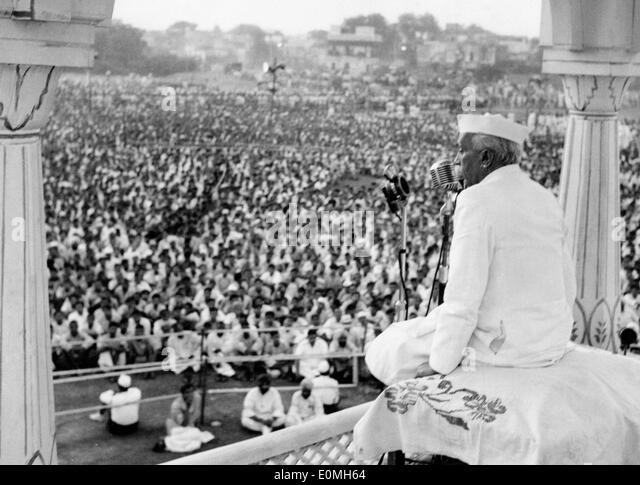 nehru speech Rahul shared a 2015 speech by home minister rajnath singh on twitter in which he had lauded jawaharlal nehru's contribution.