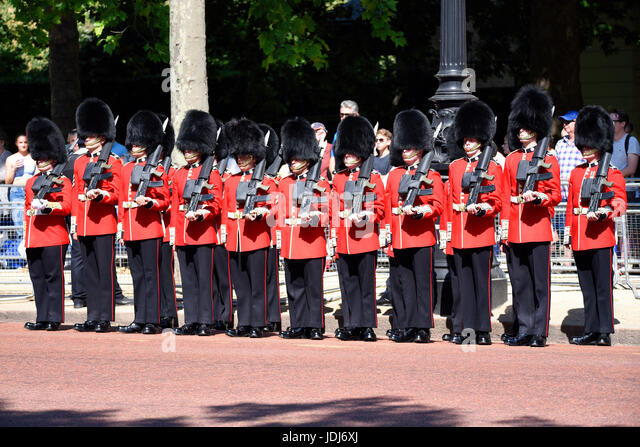 Coldstream Guards preparing to line the streets as 'Street Liners' during Trooping the Colour 2017, The - Stock Image
