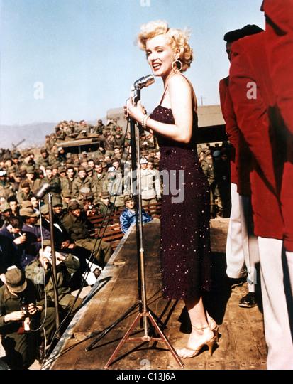 Marilyn Monroe entertaining the troops in Korea - Stock Image
