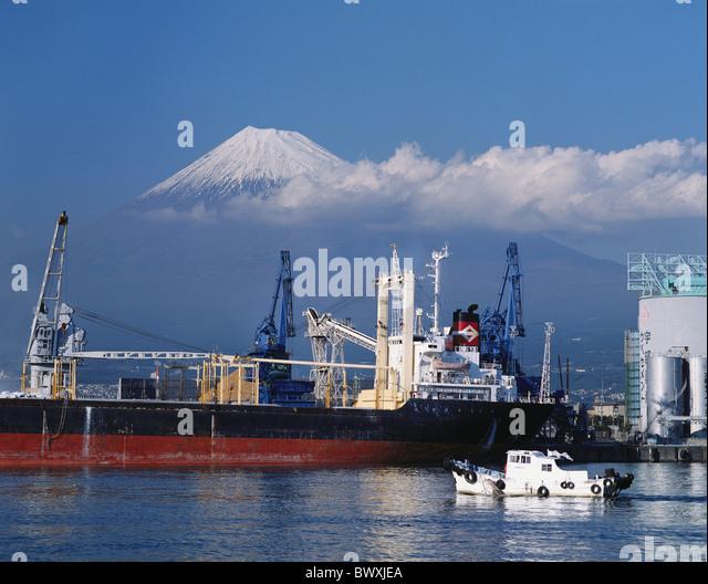 freighters Fujijama Fujisan harbour port industry industrial area Japan Asia - Stock-Bilder