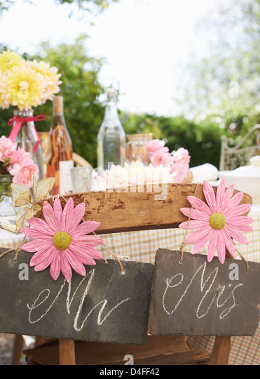 Table set for wedding reception outdoors - Stock-Bilder