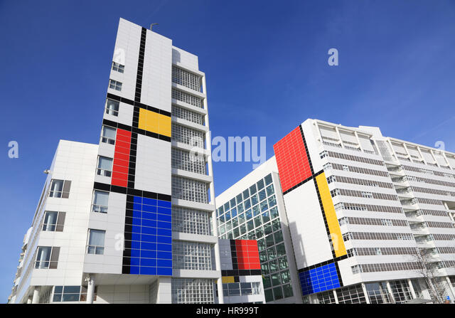 city-hall-of-the-hague-in-the-abstract-c