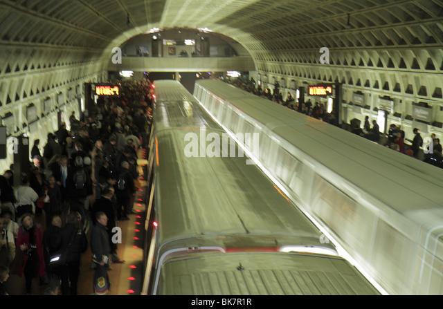 Washington DC Gallery Place Metro Station rapid transit system public transportation train platform rush hour passenger - Stock Image