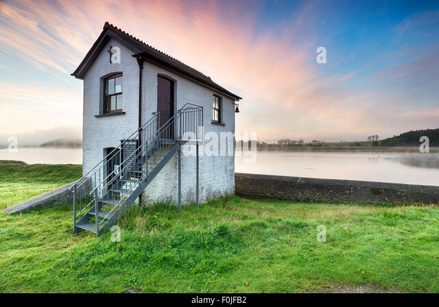 An old chapel at Halton Quay on the banks of the river Tamar near St Mellion in Cornwall, looking out to Devon across - Stock-Bilder