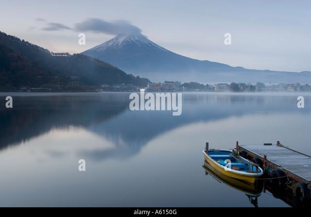 Mount Fuji, Lake Kawaguchi (Kawaguchi-Ko), Japan - Stock Image