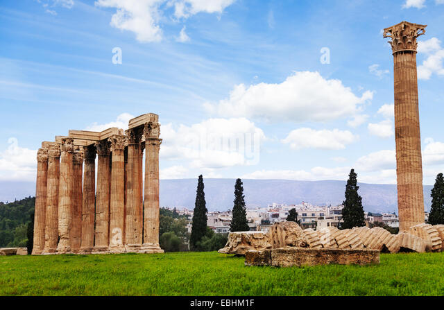 Beautiful Zeus temple in Athens, Greece - Stock Image