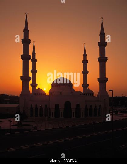 Mosque at Sunset, Abu Dhabi, United Arab Emirates - Stock Image