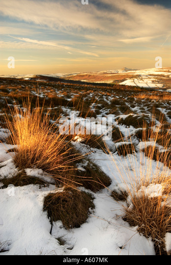View Across The Cheshire Plains Towards Shutlinsloe In Snow Cheshire, Peak District National Park. UK - Stock Image