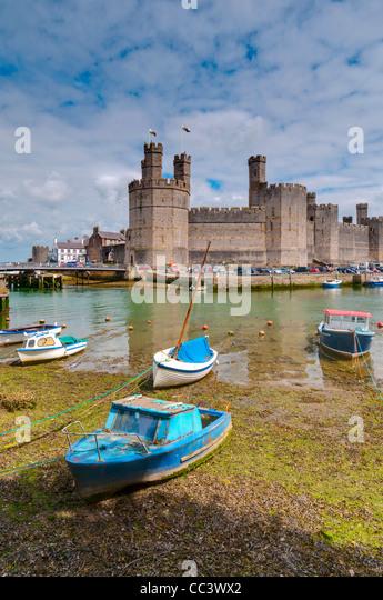 UK, Wales, Gwynedd, Caernarfon, Caernarfon Castle - Stock-Bilder