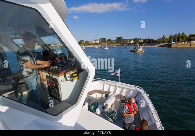 France, Morbihan, Arzon, Port Navalo arrival of a cruise ship visiting the Gulf of Morbihan islands - Stock Image