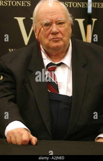 PATRICK MOORE British astronomer in 2004 - Stock Image