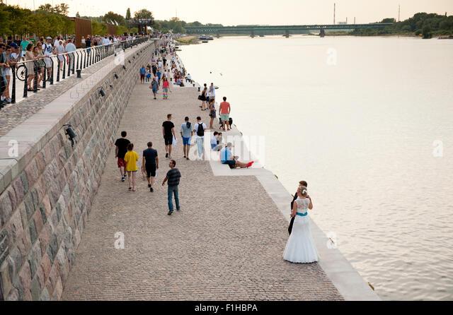 Newlyweds at the Boulevard of Vistula River - Stock Image