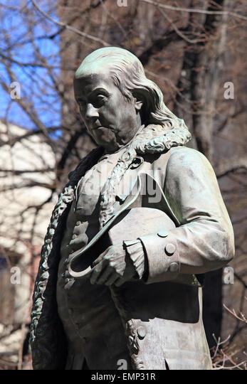 Benjamin Franklin bronze statue Boston Massachusetts Freedom Trail landmark, Ben Franklin, in front of Old City - Stock Image