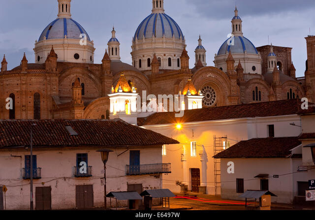 Cathedral of the Immaculate Conception, built in 1885, at dusk, Cuenca, Ecuador - Stock-Bilder