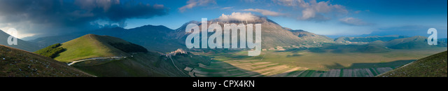 a-180 degree panorama of the Piano Grande with Castelluccio & Monte Vettore, Monti Sibillini National Park, - Stock Image