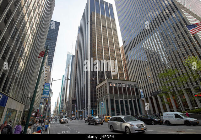 Avenue Of The Americas Stock Photos & Avenue Of The