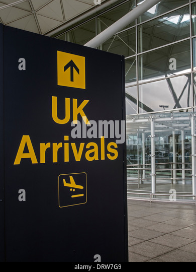 UK Arrivals sign outside Stanstead Airport - Stock-Bilder