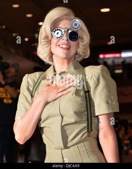 Lady GAGA, Nov 26, 2013 : Tokyo, Japan : Singer Lady GAGA arrives at Narita International Airport in Chiba Prefecture, - Stock-Bilder