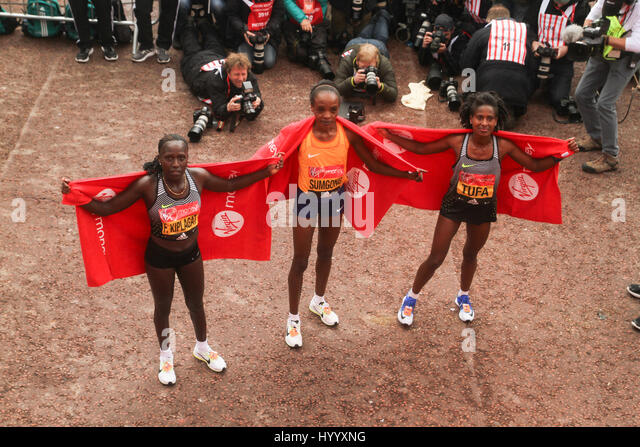 ​​​London, UK 24 April 2016. Kenyan runners Florence Kiplagat,  Jemima Sumgong (winner) and Tigist Tufa (Ethiopia) - Stock Image