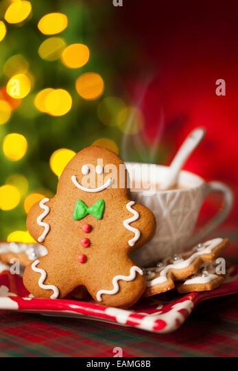 Gingerbread man cokiie and hot drink - Stock-Bilder