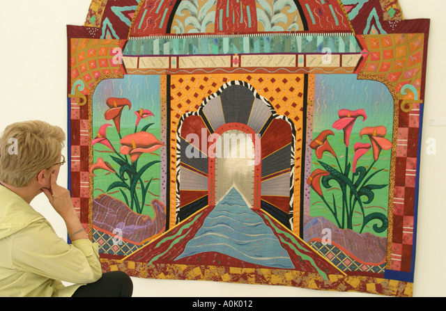 Ohio Oberlin Firelands Association for Visual Arts quilt visitor - Stock Image