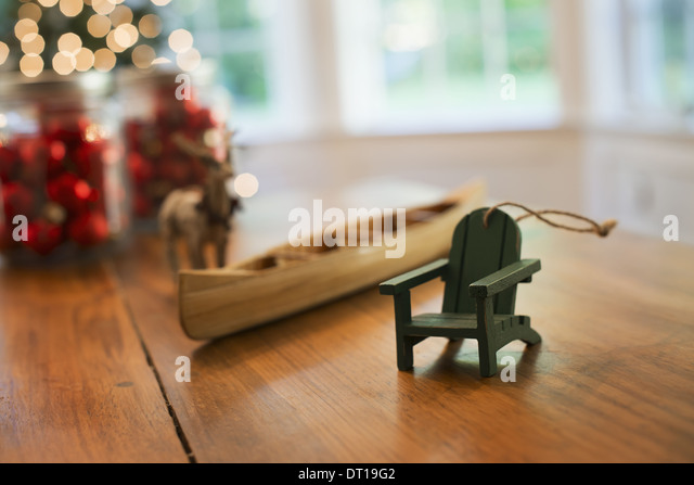 Woodstock New York USA Christmas Decorations table handmade wooden canoe - Stock Image