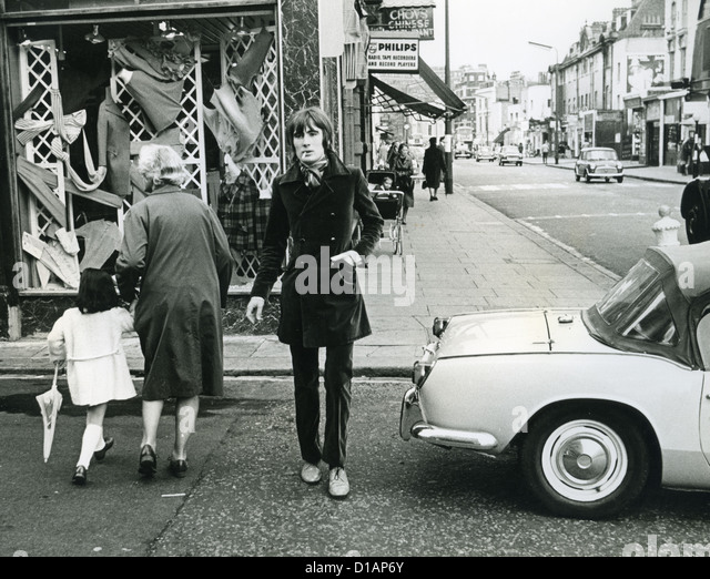 BILL CHENAIL English male model in May 1967 outside the English Boy Model Agency in London - Stock Image