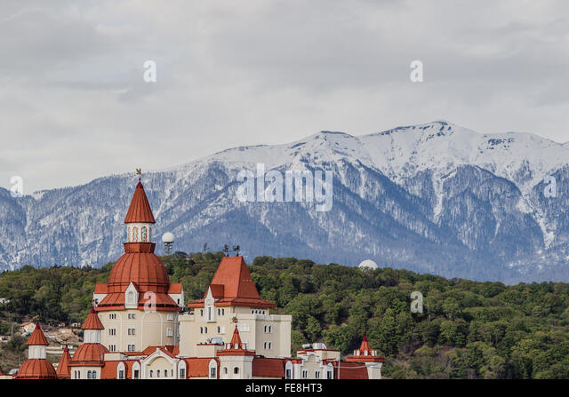 Sochi park in front of caucasus Mountains - Stock Image