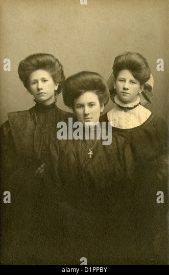 Circa 1880s photograph, three Victorian sisters from Holyoke, Massachusetts, USA. - Stock Image