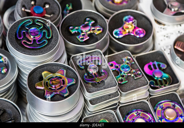 Fid Spinners Stock s & Fid Spinners Stock Alamy