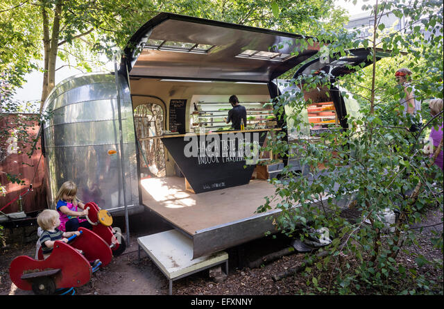 Princess Garden , Urban Gardening,  mobile urban farm with herbs and vegatable, Kreuzberg, Berlin - Stock-Bilder