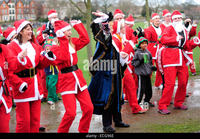 Nottingham, UK. 14th December, 2014. When you wish upon a star great Nottingham Santa run Forest recreation ground - Stock Image