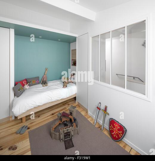 Rangement stock photos rangement stock images alamy - Petite chambre d enfant ...