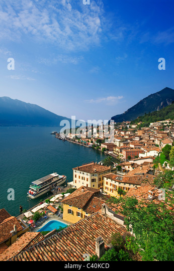 Lake Garda, Italy, lime, cedrat, Lombardy, houses, homes, lake, sea, roofs - Stock Image