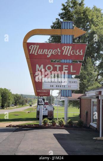 munger moss motel on route 66 passing through lebanon missouri - Stock Image
