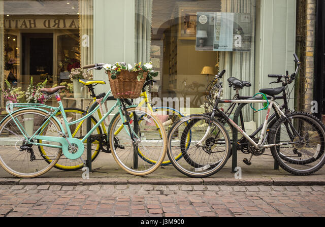 The University city of Cambridge in England with bicycles - Stock-Bilder