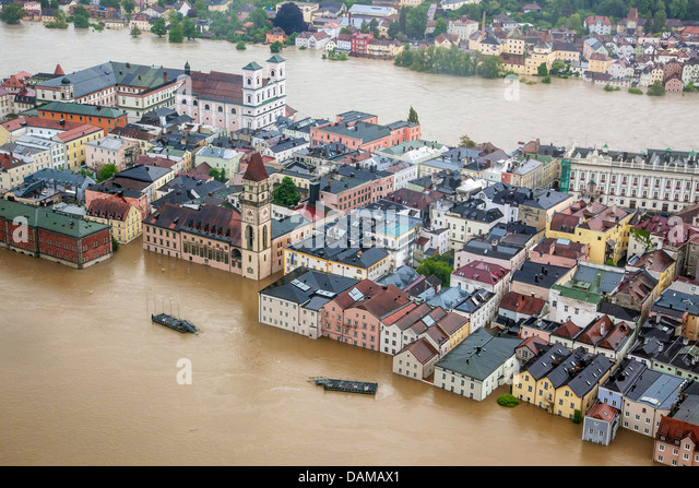 old city with townhall flooded in June 2013, Germany, Bavaria, Passau - Stock Image