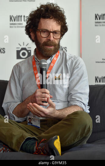 Karlovy Vary, Czech Republic. 04th July, 2016. Famous American screenwriter Charlie Kaufman speaks during the KVIFF - Stock-Bilder