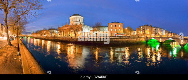 Dublin Four Courts with  O Donovan Rossa bridge, Dublin. - Stock-Bilder