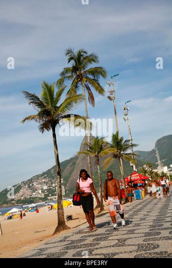 Promenade on Ipanema beach, Rio de Janeiro, Brazil. - Stock Image
