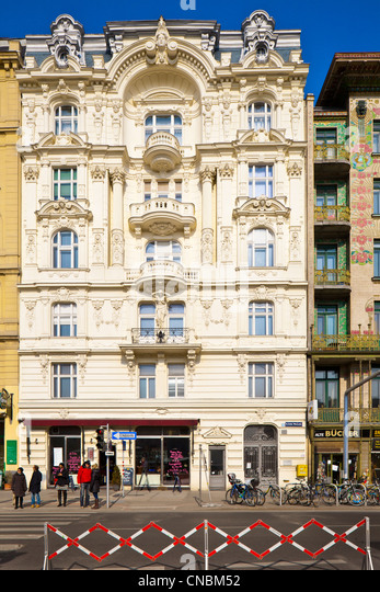 Austria, Vienna, Linke Wienzeile, bourgeois apartment-building next to the Majolica House built by Otto Wagner (on - Stock Image