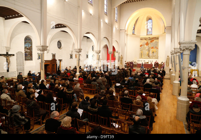 Sunday Mass, Villemomble, Seine-St. Denis, France - Stock Image