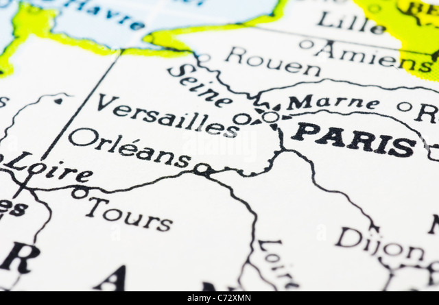 close up shot of Paris on map. - Stock-Bilder
