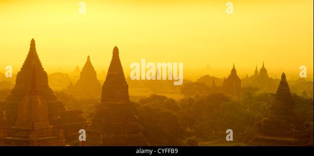 Panorama sunrise view over temples of Bagan in Myanmar - Stock-Bilder