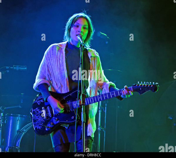 Meredith Sheldon aka Alamar supporting Johnny Marr at Manchester academy Gig 12/10/2013 - Stock Image