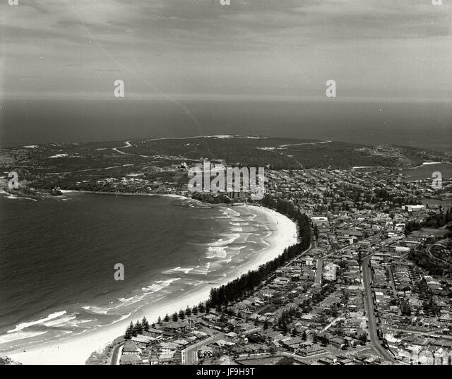 Manly Ocean Beach - 1937 30049304732 o - Stock Image