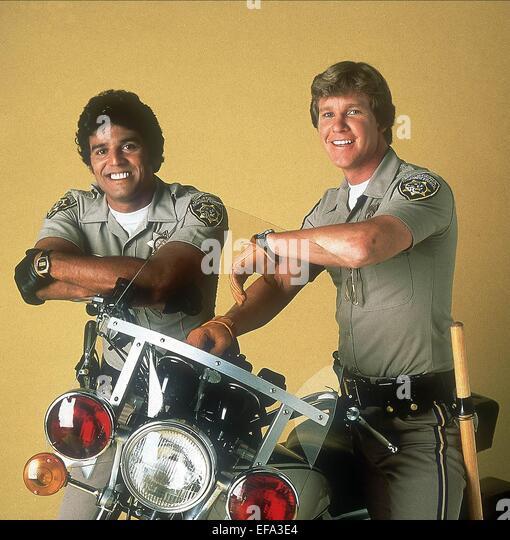 erik-estrada-larry-wilcox-chips-1977-efa