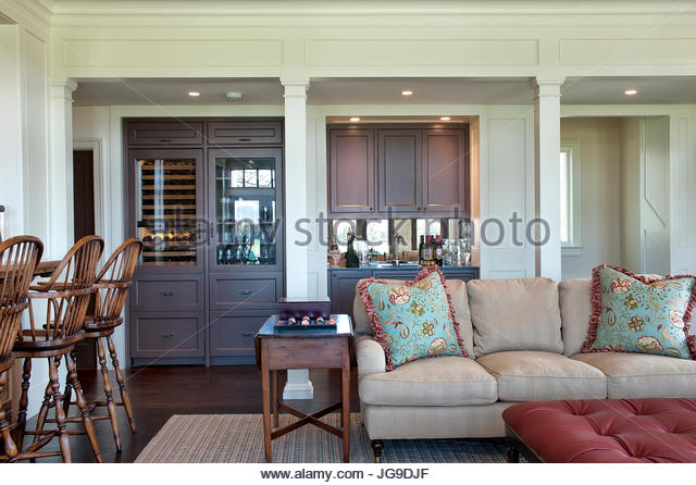 Wine Cooler Stock Photos Amp Wine Cooler Stock Images Alamy
